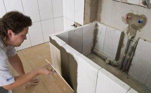 Как сэкономить на укладке плитки в ванной комнате?