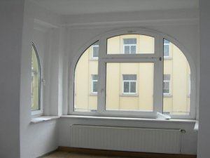 Нестандартные пластиковые окна для квартир и офисов